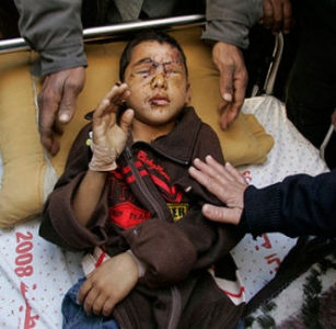 gaza-boy-blinded-by-white-phosphorus.jpg