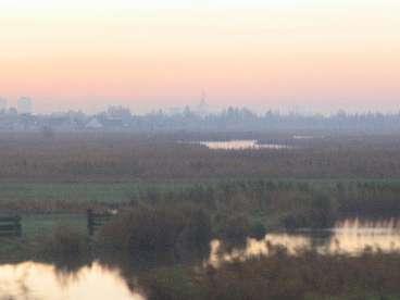 landschap uit het raam van de trein
